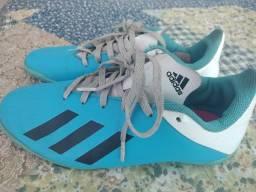 Chuteira Adidas original tamanho 34