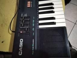 Venda teclado Casio antigo e usado
