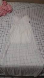 Vendo  um vestido  Branco semi Novo