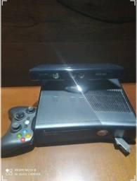 Xbox 360 com Kinect e Jogos