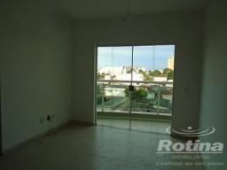 Apartamento à venda, 2 quartos, 1 suíte, 1 vaga, Martins - Uberlândia/MG