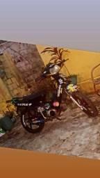 Vendo moto Phoenix pra vende ligeiro.