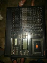 Mesa gravadora Tascam midistudio 644