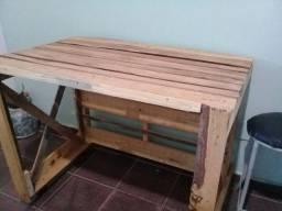 Mesinha/ aparador de madeira natural