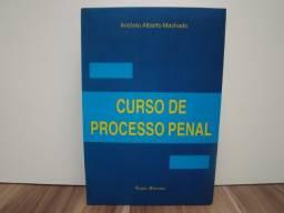Livro Curso de Processo Penal / autor: Antônio Alberto Machado