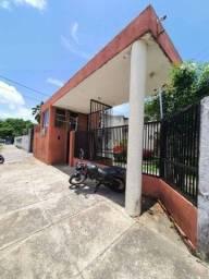 Apartamento com 2 dormitórios à venda, 47 m² por R$ 130.000 - Messejana - Fortaleza/CE