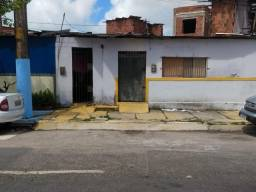 Vendo casa na avenida do estádio do Santa Cruz