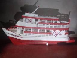Miniatura de barco regional feito de isopor 74cm de comprimento