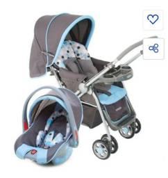 Carrinho de bebê Cosco e bebê conforto.