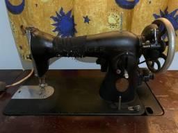 Máquina de costura Singer, de 1946