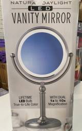 Espelho Para Maquiagem Com Aumento 10x E Led