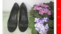Sapato em veludo Arezzo