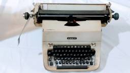 Maquina de Escrever Facit Antiga Vintage na Cor Cinza