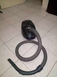 Vendo aspirador de pó usado mas bem conservado