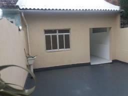 Linda casa na Penha ( Rua Guatemala ) 02 quartos com 1 suite garagem e terraço