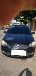 VW Polo Sedan 1.6 - ano 2008 - Completo