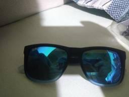 Vendo óculos Ray-ban Justin por 330 reais