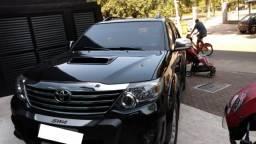 Toyota hilux sw4 diesel blindada 7 lugares - 2014