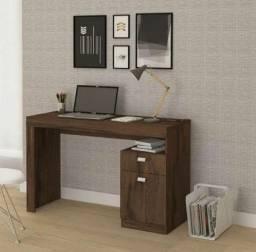 Mesa de computador Melissa nova