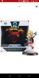 action figure supergirl Q-FIG