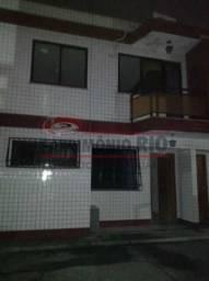 Casa duplex de 2qtos em Condomínio Fechado