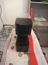 CAFETEIRA DE CÁPSULA 3 CORAÇÃO