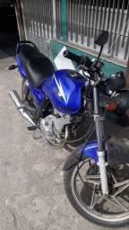Troco moto Suzuki yes