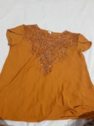 Vendo blusa nova nunca usada..tamanho G de crepe e detalhes de renda e pérola