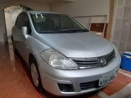 Nissan Tiida Sedan 1.8 - 2011
