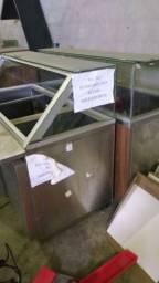 Equipamentos, móveis, freezers, estantes, bancadas, usados