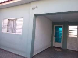 Casa em Itapetininga, próx. a Shopping, comércio local.