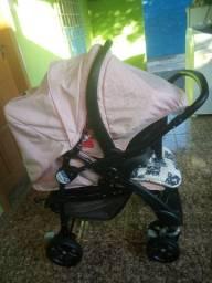 Vendo carrinho de bebê menina + bebê conforto!! Capinha e andador brinde