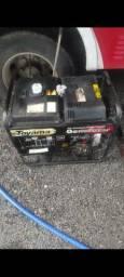 Gerador Toyama Diesel 4kva Partida eletrica bem conservado