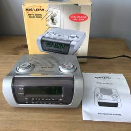 Rádio Relógio Mega Star na caixa AM FM 110 e 220 V