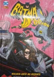 Livro HQ do Batman 66/ Mulher-Gato ao Resgate.