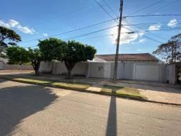 Casa com piscina bairro Caiçara 720 m2