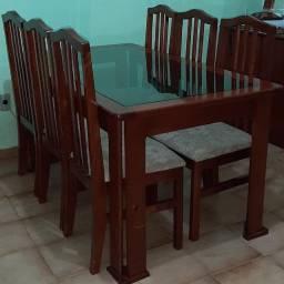 Mesa de madeira e vidro | 6 Cadeiras
