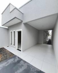Casa nova com quintal e churrasqueira