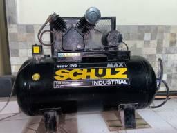 Compressor Schulz 300l 175lbs 20 pés
