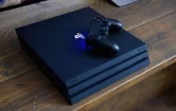 PS4 Pro 4K novo com câmera e dois controles