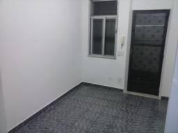 Casa 1 Qto em Madureira - Cód. HMFC