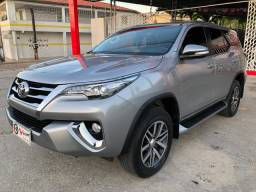 Hilux sw4 2017/2017 7 lugares (32000km)