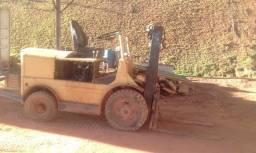 Empilhadeira 2,5 toneladas - usada