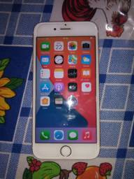 iPhone 6s na cor dourada semi-novo