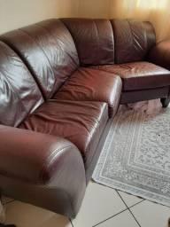 Sofá de couro legítimo 4 a 5 lugares super confortável