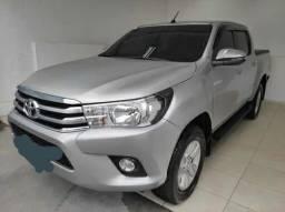 Toyota Hilux 2.7 Srv Cab. Dupla 4x4 Flex Aut. 4p Gasolina e álcool<br><br>