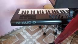 Vendo Controlador m-audio axiom 61