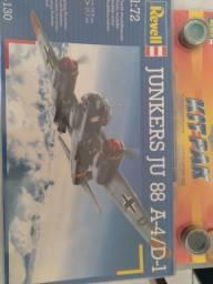 Kit revell Ju88 novo na embalagem.