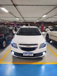 Onix 2015/15 branco ltz 1.4 manual MyLink com camera de ré