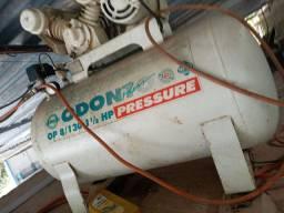 Compressor odontológico branco odonto press 130 / 1.1/2 HP